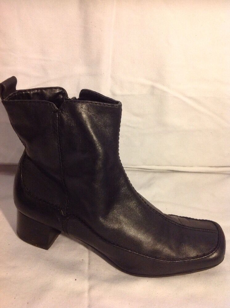 Clarks Black Ankle Leather Boots Size 5D