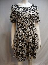 LUCIE LU Dress Size 5X Black White Floral Textured Fit Flare Sislou R27