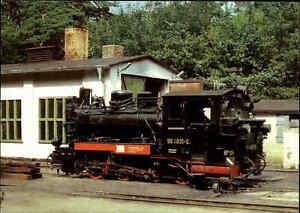 EISENBAHN-Motiv-Postkarte-Dampflokomotive-Lok-im-Bahnhof-GOHREN-Ruegen-Ostsee