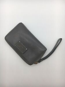 Marc-By-Marc-Jacobs-Pebbled-Leather-Wallet-Wristlet-Grey