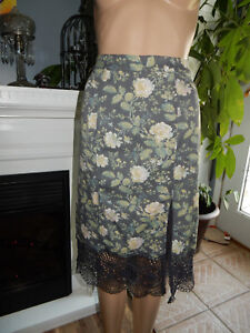 f85f993ba292 Free People Gray Floral Pencil Skirt with Crochet Lace Hem Front ...