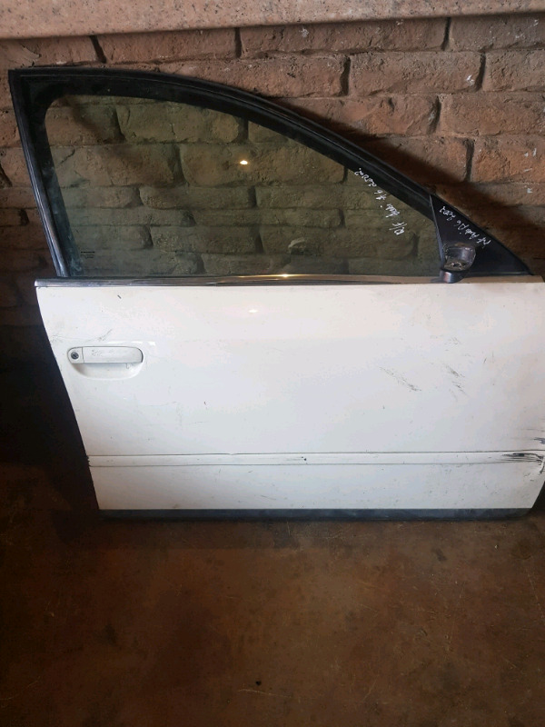 2000 AUDI A6  RIGHT FRONT DOOR FOR SALE