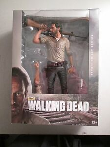 Figurine Articulée 10   Amc's The Walking Dead De Luxe Figurine Articulée 10