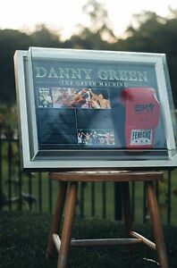 DANNY-GREEN-SIGNED-BOXING-GLOVE-IN-FRAME-with-game-statistics
