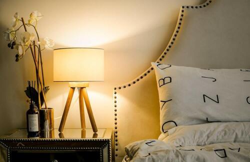 LED Nachttischlampe für Schlafzimmer mit 4W LED-Leuchtmittel Energieklasse A++
