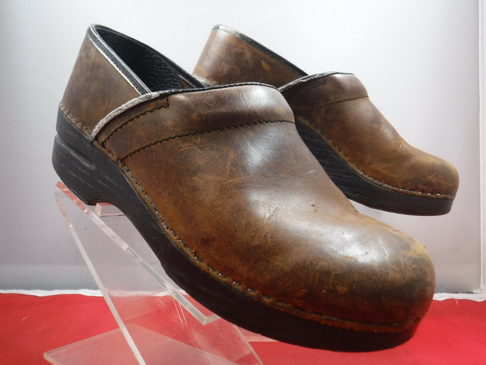 PFR Women's DANSKO Brown Leather Stapled Professional Clogs Sz 39 8.5 9