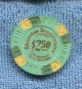Sheraton Breakwater Casino $2.50 CHIP Townsville Queensland  T-258