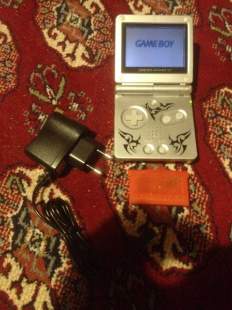 Nintendo Gameboy advance SP, +Pokemon Firered, God,…