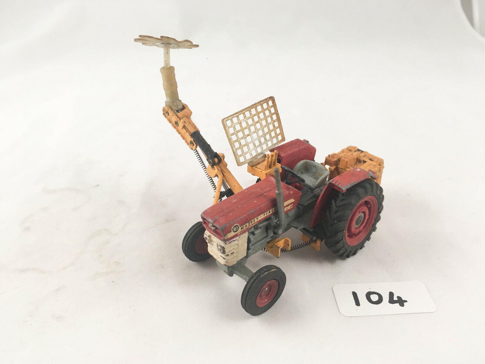 están haciendo actividades de descuento Raro Corgi Juguetes     73 Massey Ferguson 165 Tractor con Accesorio de Sierra 1970-73  bajo precio del 40%