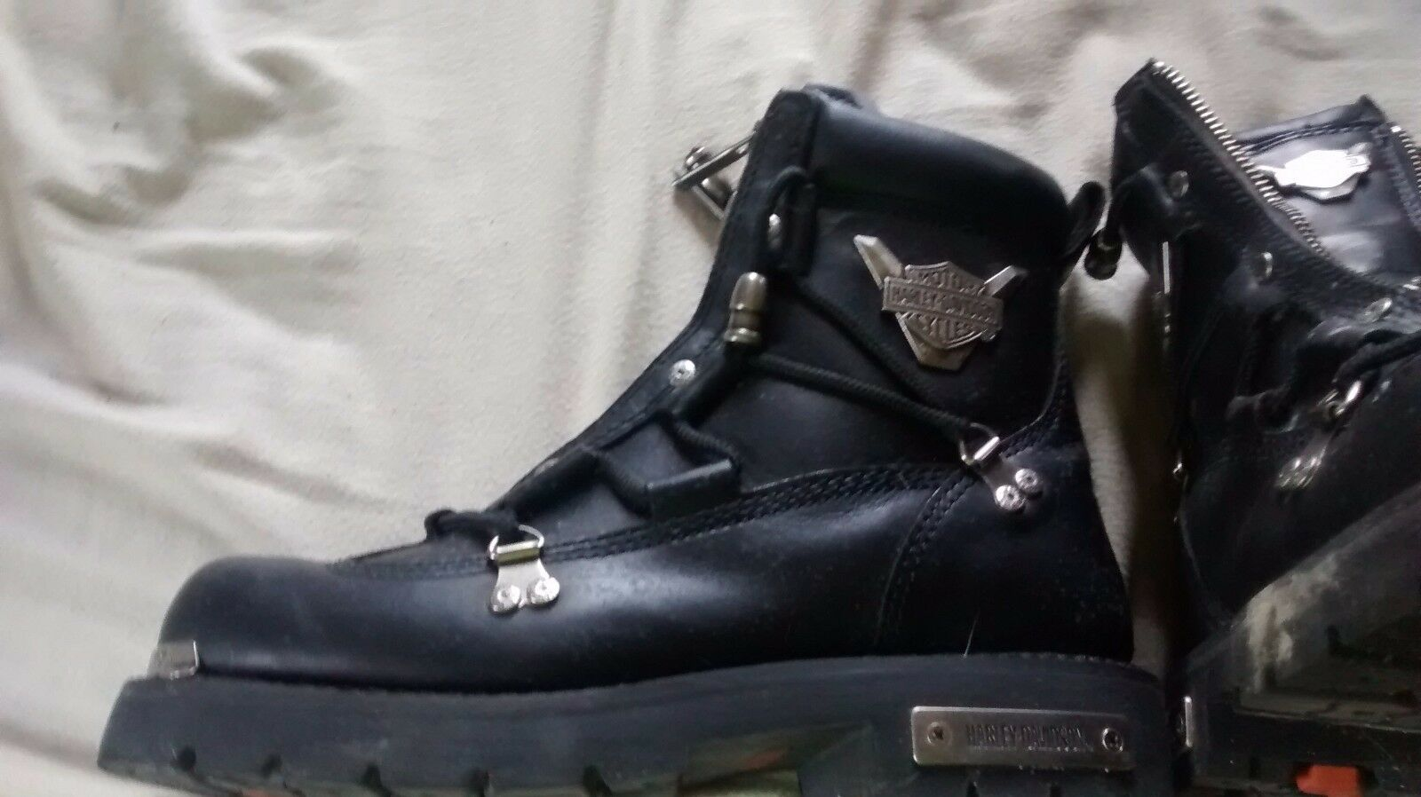 Men,s Harley Davidson Boots , only wore a few times, excellent condition