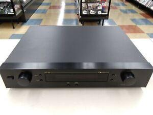 Utiliza NAKAMICHI FM/AM Sintonizador ST-3S sólo una parte principal o