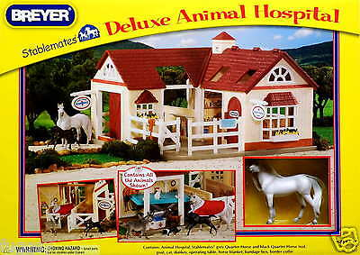 BREYER Deluxe Vet Animal Hospital Horse foal  Stablemates 1:32 Scale 59204