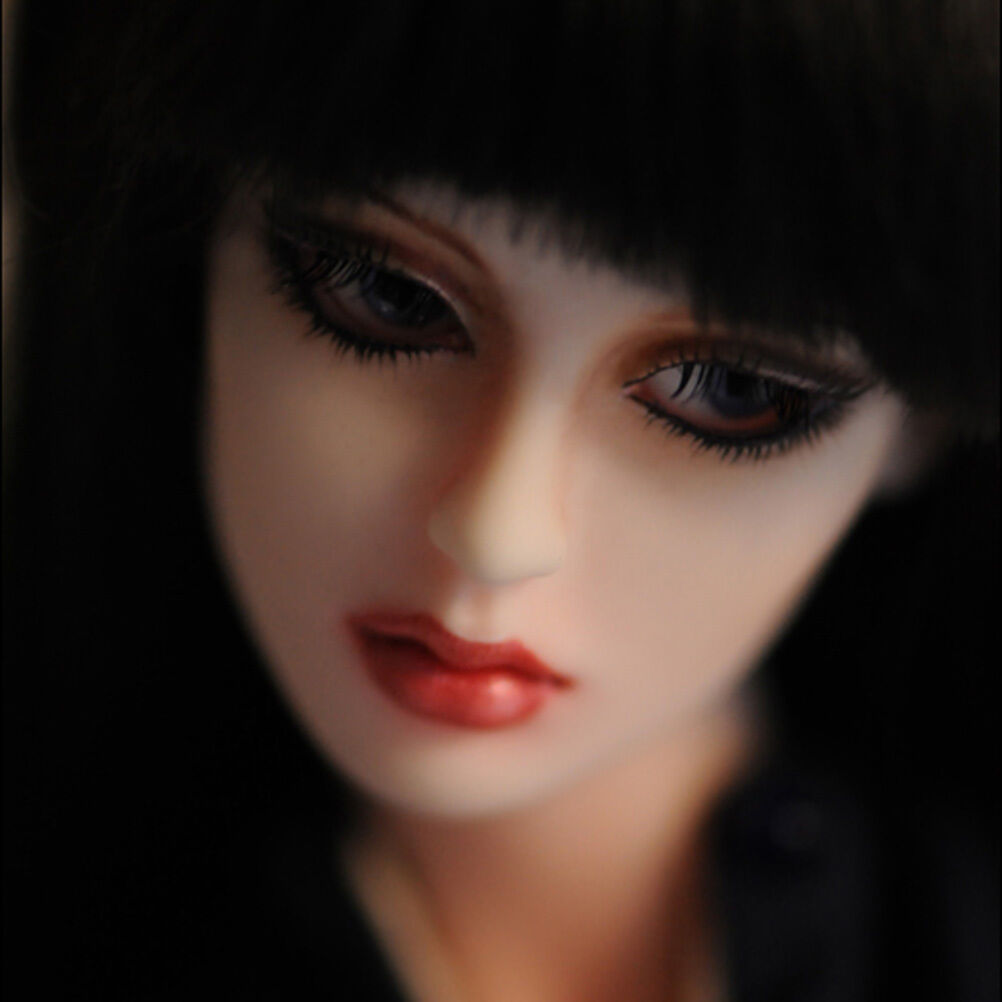 DOLLMORE 16  Fashion Doll - Neo Sara - LE 100 (make up)