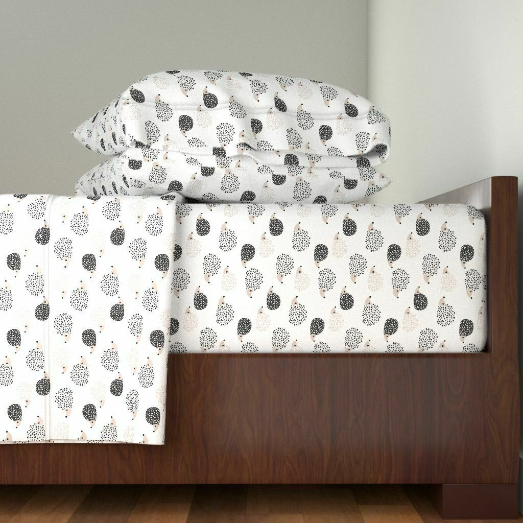 Hedgehogs Scandinavian Illustration For 100% Cotton Sateen Sheet Set by Roostery