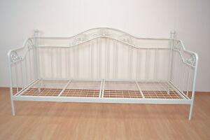 Romantische Metallbetten romantisches tagesbett cremeweiß 90 x 200 cm metallbett jugendbett