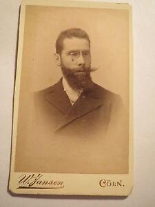 Koeln-Hermann-Mueller-als-Mann-mit-Bart-und-Zwicker-Portrait-CDV