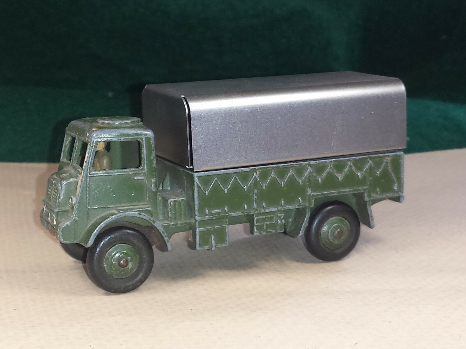 DINKY TOYS №623 COVERED WAGON BRITISH ARMY BEDFORD QL WW2 CIRCA 1944 c w CANOPY