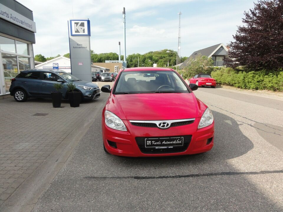 Hyundai i30 1,6 CRDi 90 Classic Diesel modelår 2008 km