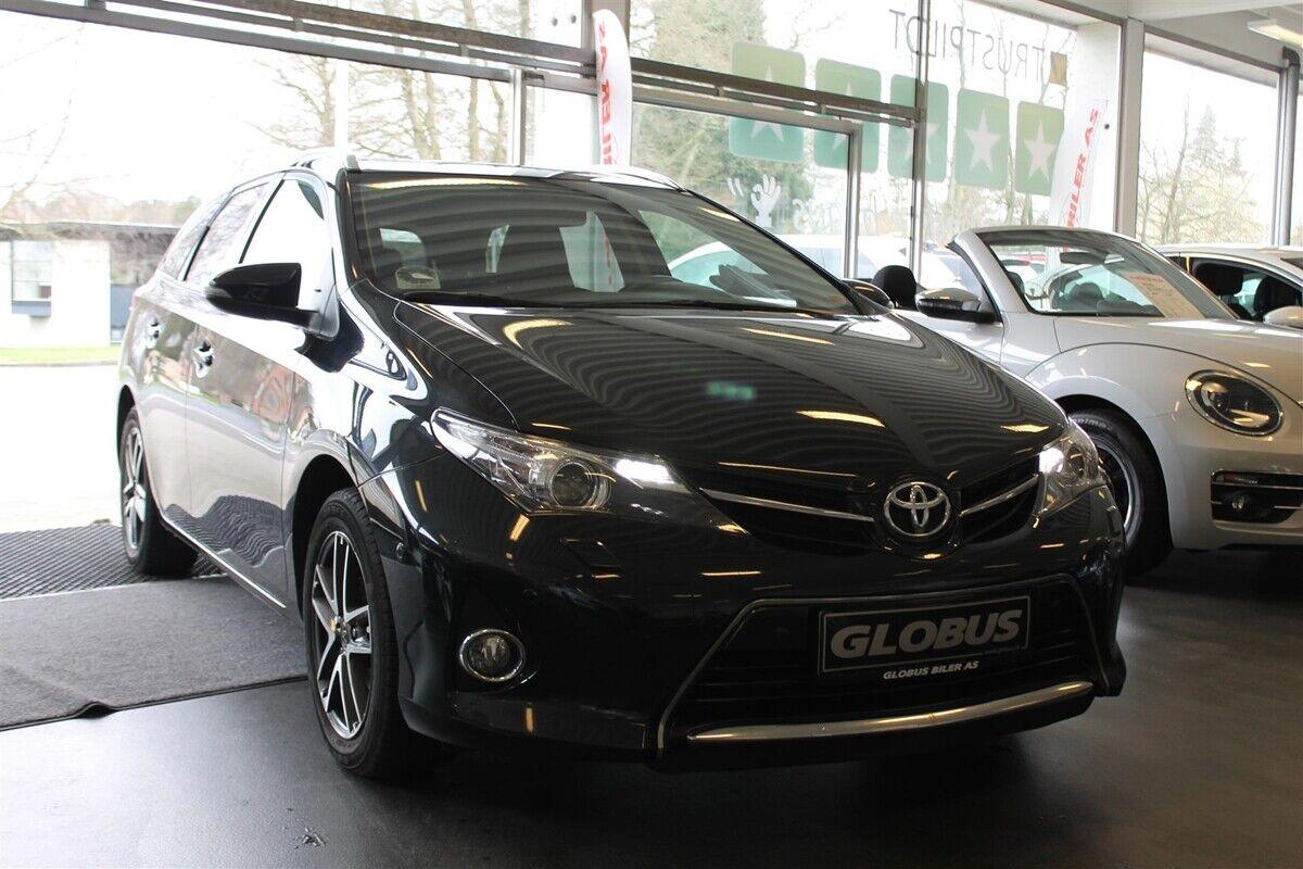 Toyota Auris 1,6 T2+ TS 5d - 119.900 kr.