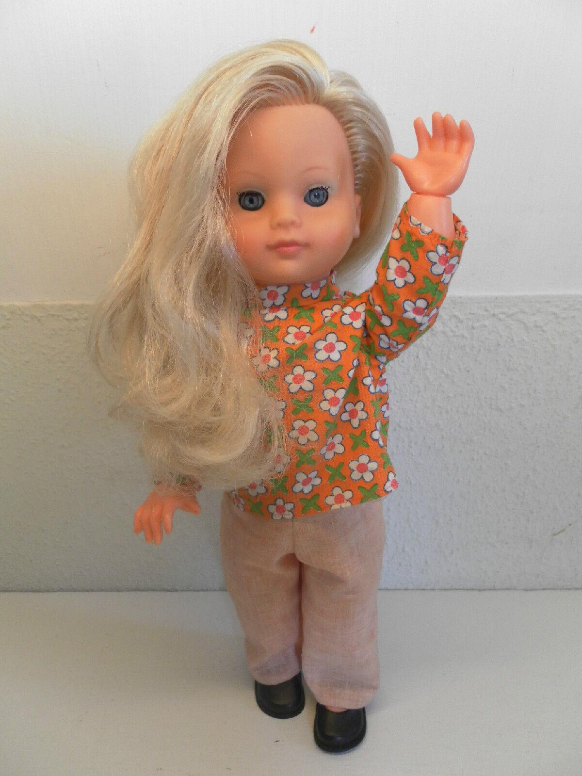 WILDEBRAS Europe Europe Europe Seventies Teen Doll in Original Clothing 40cm   15.75 in 2def26