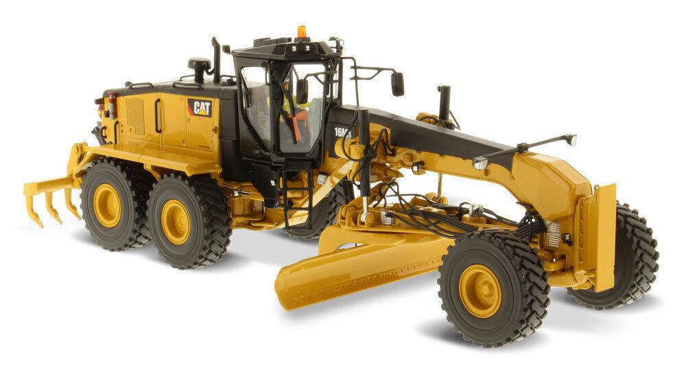 1 50 scale CAT 16M3 Motor Grader Die-cast Model - DM85507