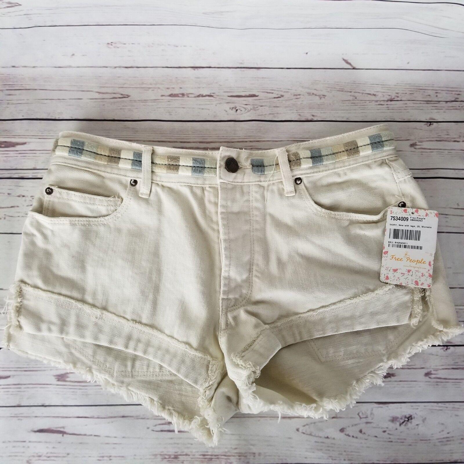Free People NWT  98 Eliot Embroidered Shorts Ivory Soda Size 25 Shorts   316