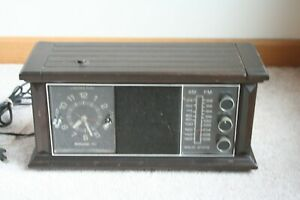 Vtg-Philco-Ford-Wood-Table-Top-Radio-AM-FM-Solid-State-R575-DK-Solid-Alarm