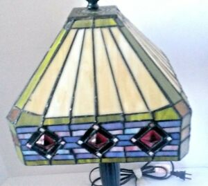 Vintage-Tiffany-Style-Stained-Glass-Handmade-Lamp-Mission-Jeweled-Shade