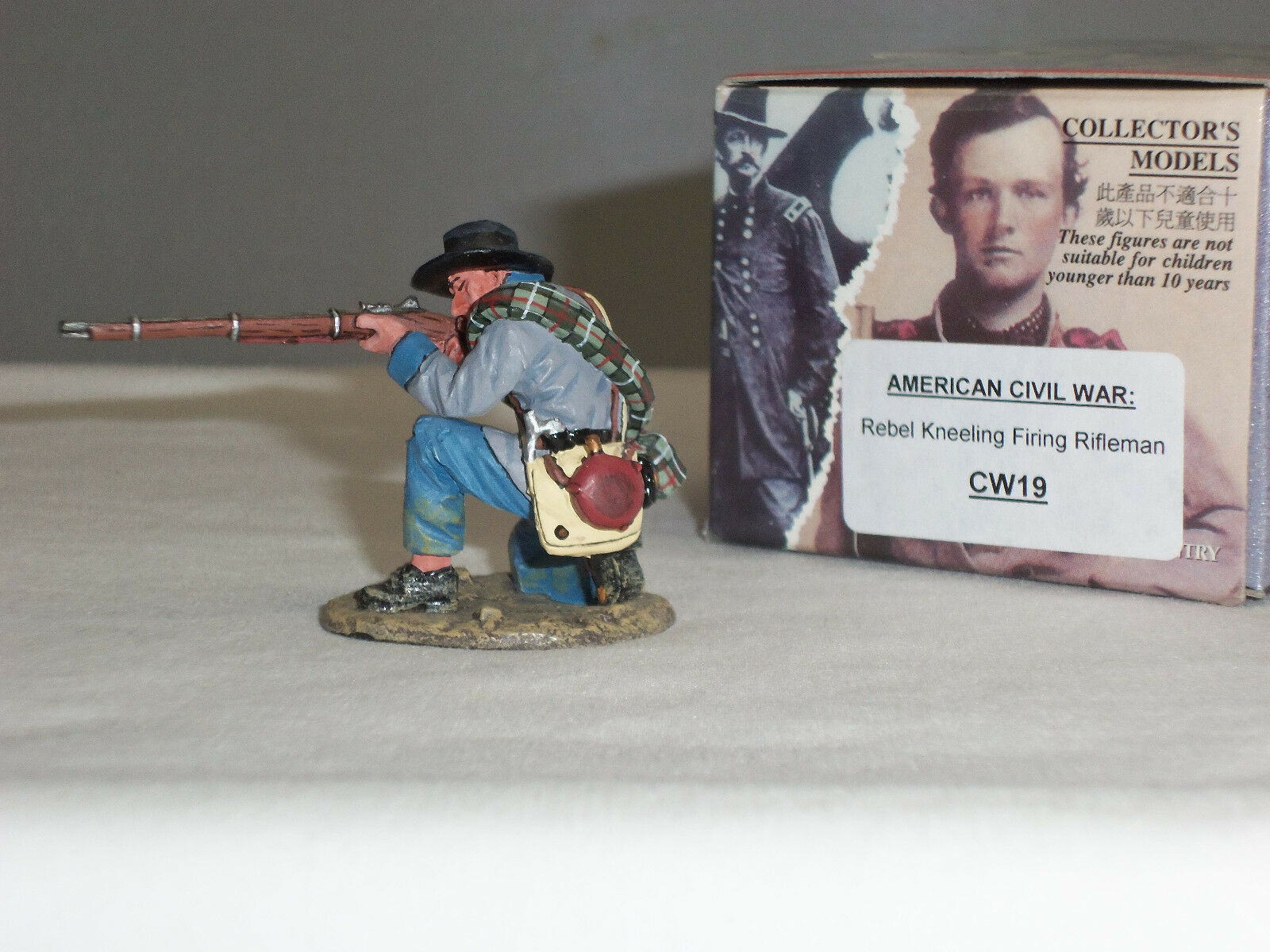 KING AND COUNTRY CW19 REBEL KNEELING FIRING RIFLE AMERICAN CIVIL WAR TOY SOLDIER