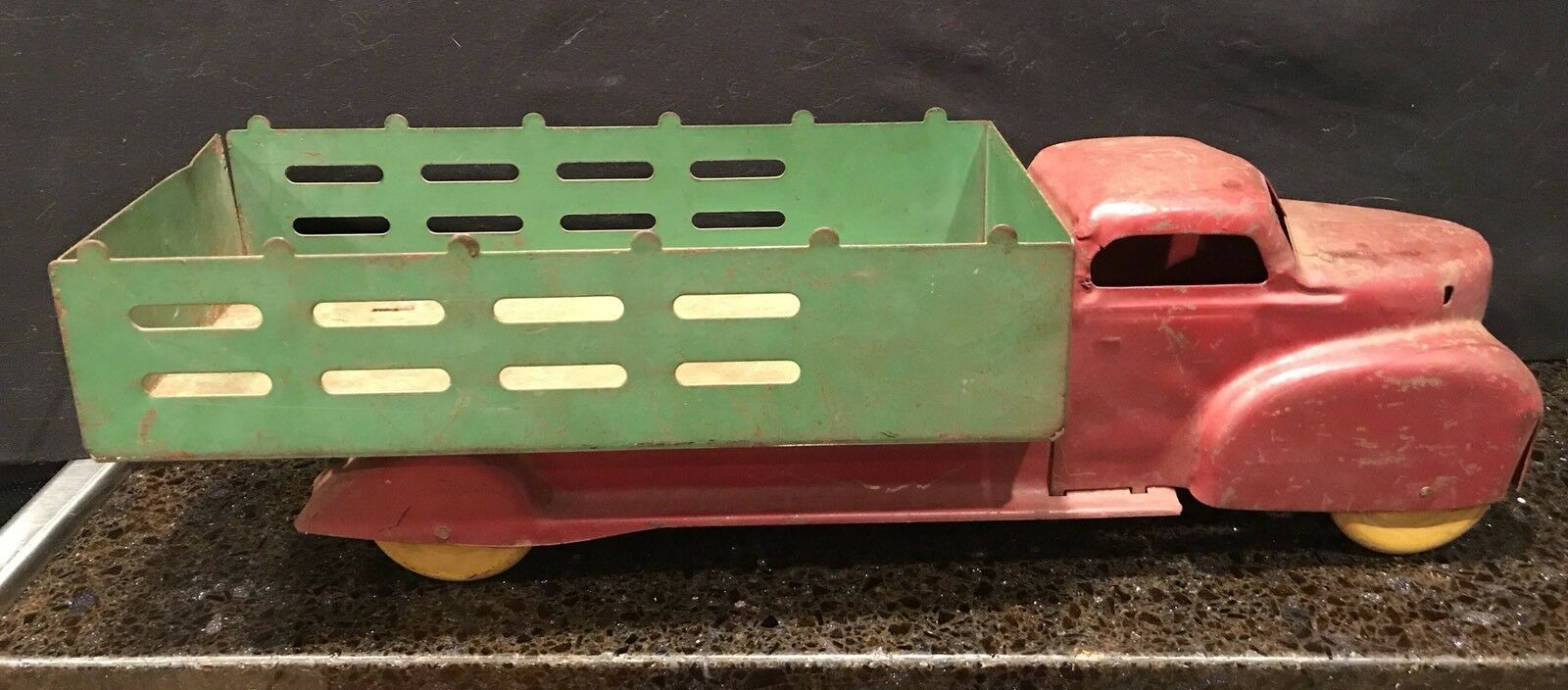 Early METAL wyancotte 1930 S Jouet Animaux Camion pour restauration