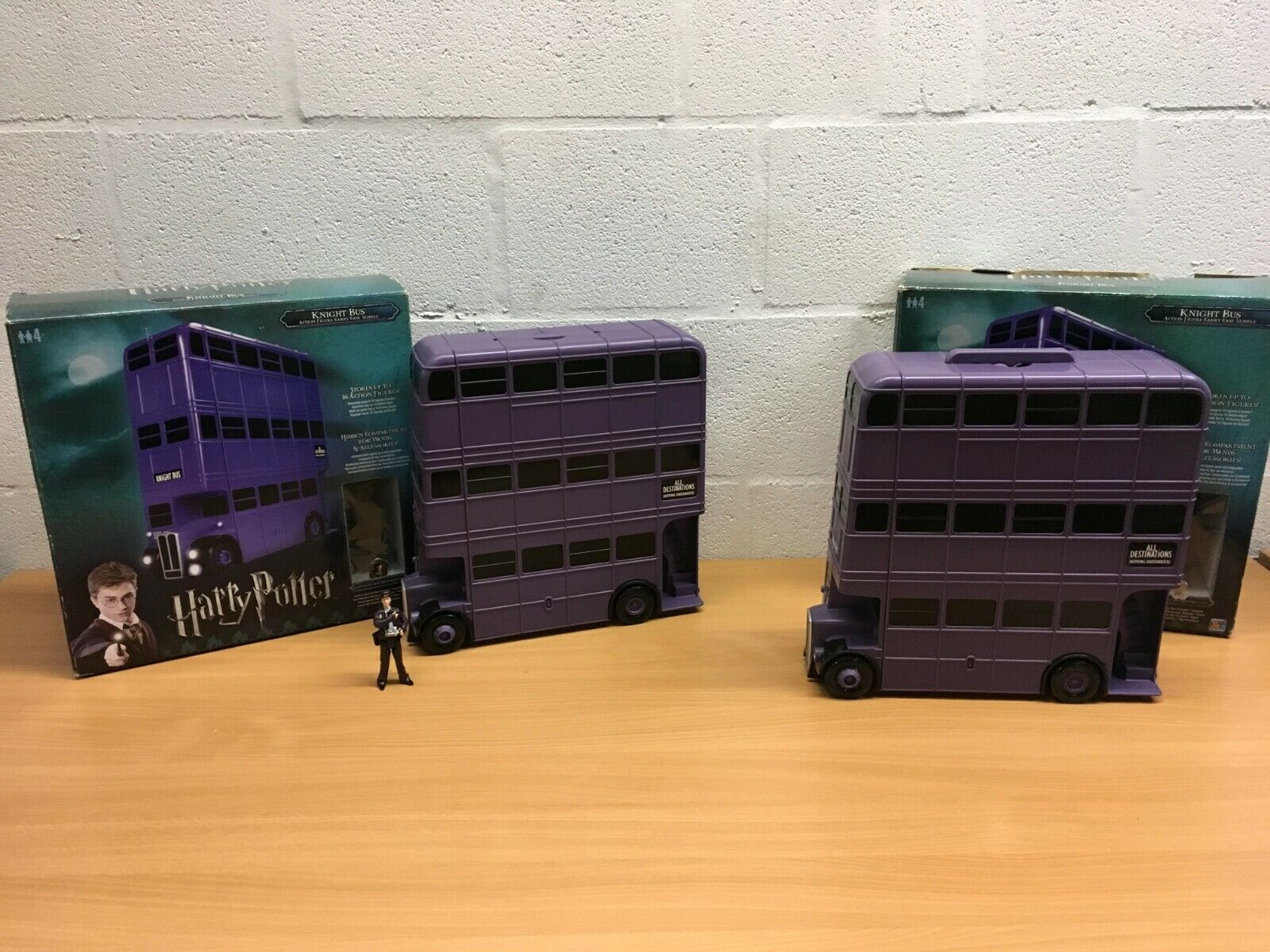 HARRY POTTER KNIGHT BUS ACTION FIGURE CARRY CASE VEHICLE BOXED VGC