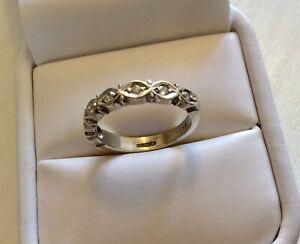 Fabulous-Quality-Ladies-Heavy-Solid-9CT-White-Gold-Half-Eternity-Diamond-Ring-N