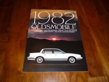 Oldsmobile Gesamtprospekt 1982 Amerika Oldsmobile Cutlass / Omega / Ninety Eight