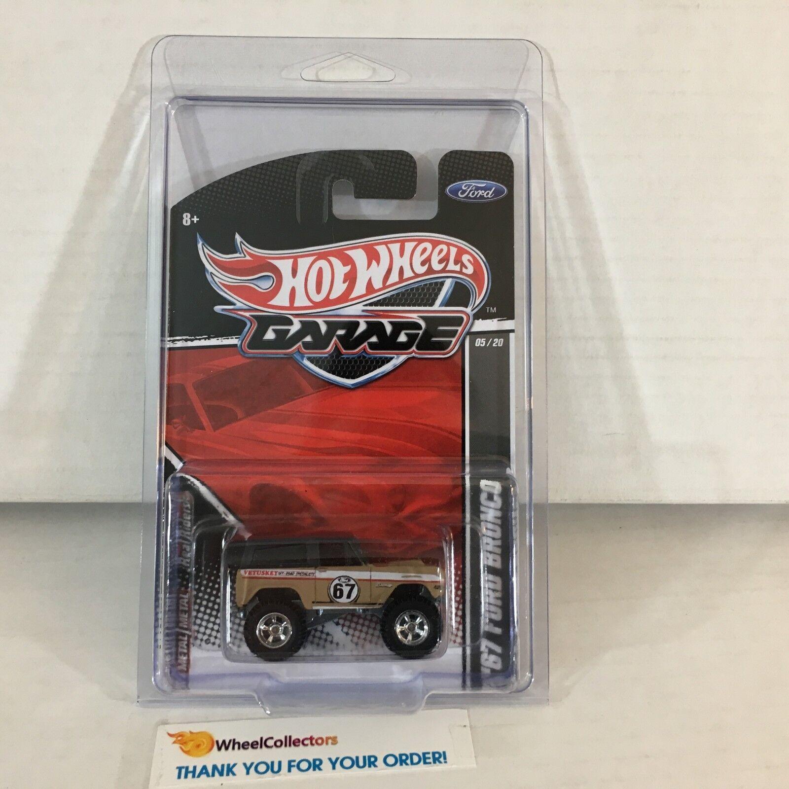 '67 Ford Bronco  Tan  Hot Wheels Garage  NB30