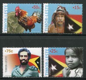 Timor 2005 Nationalsymbole Hahn Münze Flaggen Flags Coin 377-80 MNH