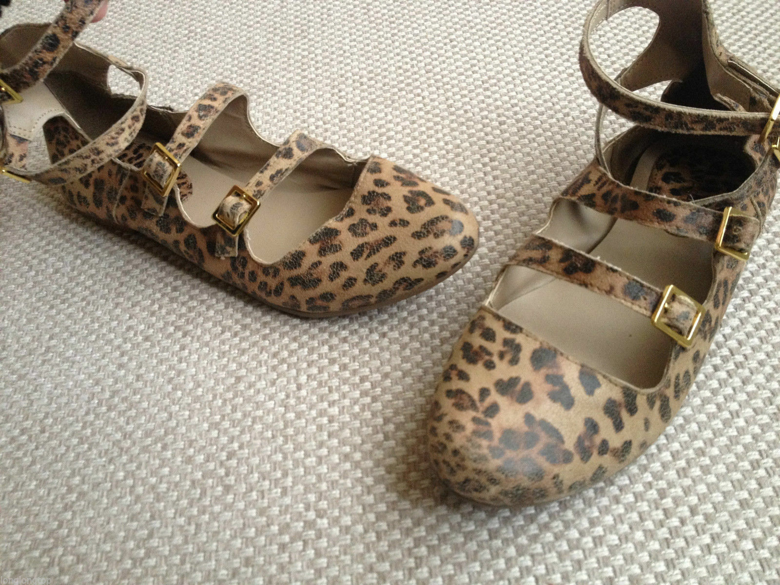 TOPSHOP LEOPARD PRINT LEATHER MULTI STRAP BUCKLE PUMPS Schuhe last pair NEU