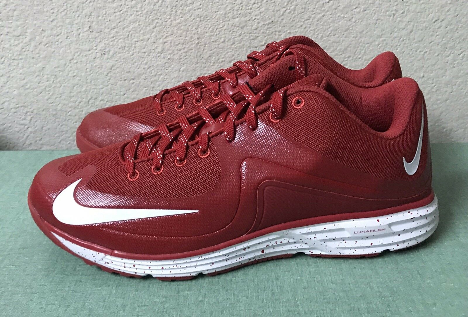 on sale e190b 161ec Nike Nike Nike Lunar MVP Pregame 2 Turf Red White Baseball Trainers Mens Sz  12 NEW 5ae653