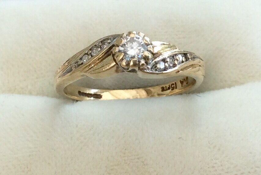 Beautiful Ladies Full Hallmarked High Quality Vintage Diamond Ring - 15 Points