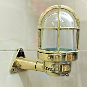 OLD NAUTICAL DECK  COVER PASSAGE WAY BULKHEAD WALL MOUNT BRASS LIGHT 1 PCS