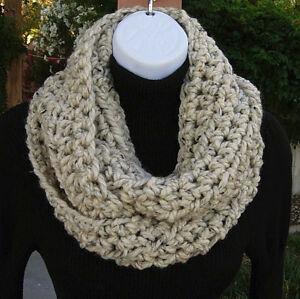 INFINITY-SCARF-Oatmeal-Beige-Loop-Cowl-Thick-Tweed-Winter-Handmade-Crochet-Knit