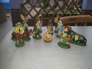 Ancienne crèche de Noël santons en plastique peint a la main made