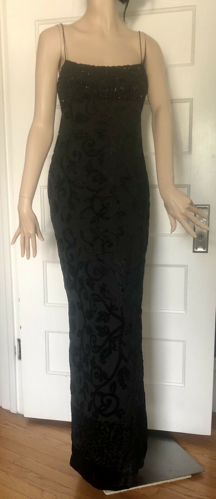 Kay Unger Black Beaded/Sequined Top with Velvet Burn Out Gown Size 4 EUC