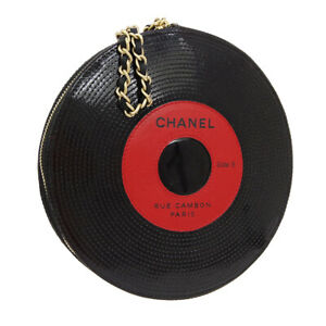 CHANEL-Record-Motif-Chain-Clutch-Hand-Bag-8946336-Purse-Black-Patent-AK38481a