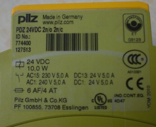 1PC USED PILZ safety relay PDZ 24VDC 774400 #017