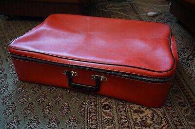 Alter Koffer (antik, Vintage, Fast Nie Verwendet) Einen Effekt In Richtung Klare Sicht Erzeugen
