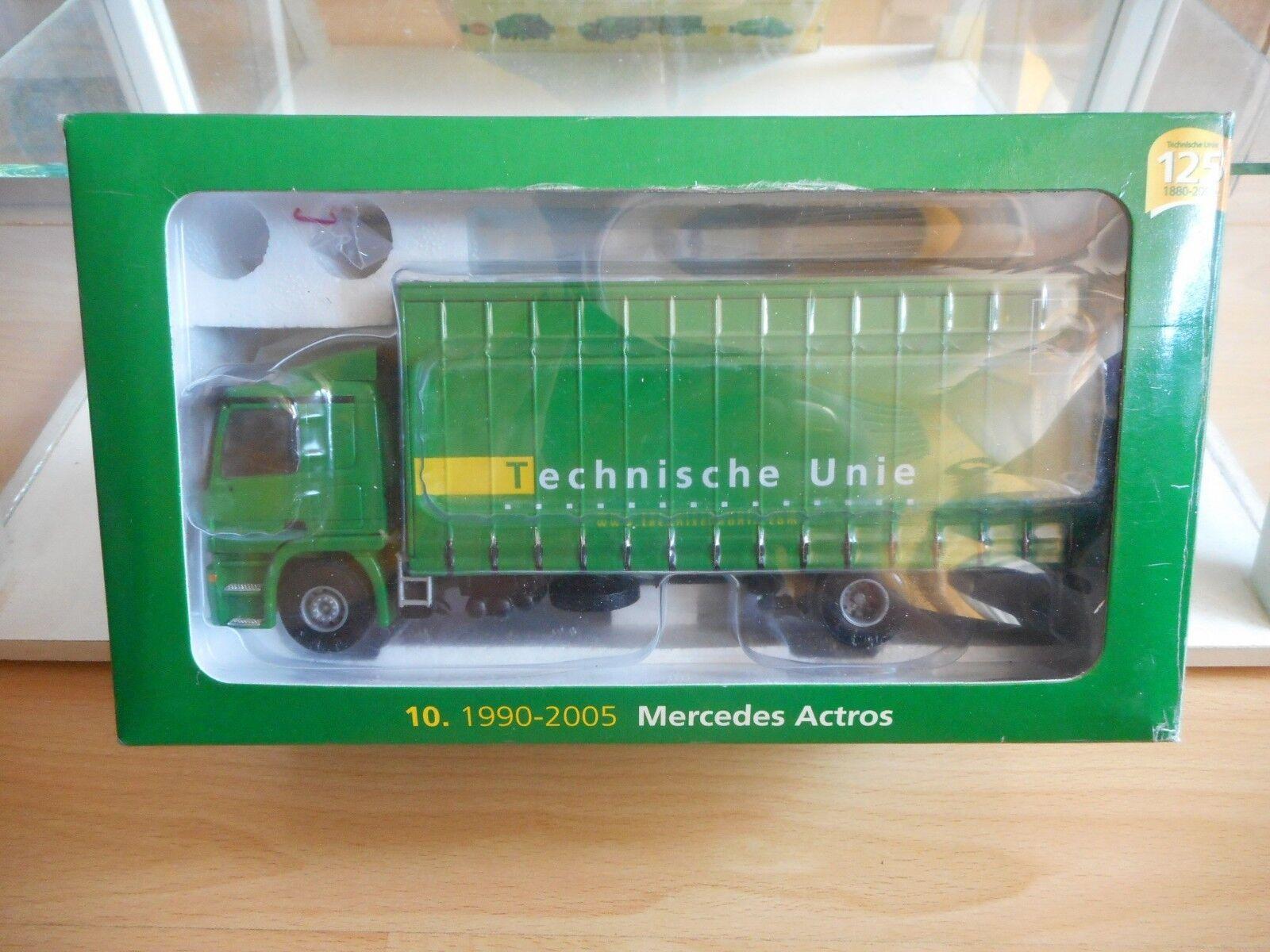 Lion Toys Mercedes Actros  Technische Unie  in Grün on 1 50 in Box