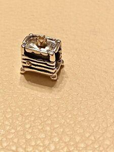 Genuine-Pandora-14k-Gold-amp-Silver-Princess-And-The-Pea-Charm-790320-Rare