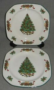Set-2-Johnson-Brothers-VICTORIAN-CHRISTMAS-PATTERN-Salad-Plates-ENGLAND