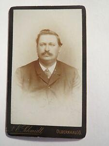 Olbernhau-i-S-Mann-im-Anzug-Portrait-CDV