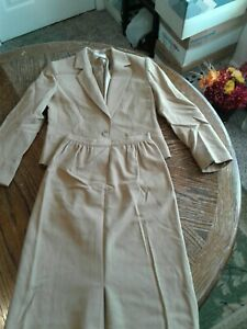 Vintage Pendleton Tan 2 Piece Skirt Suit Size 4 Wool (cb14)